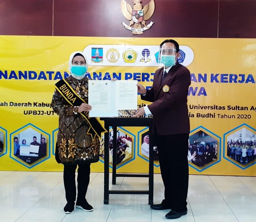 Kurangi Angka Pengangguran, Pemerintah Daerah Kabupaten Serang dan Universitas Sultan Ageng Tirtayasa Tandatangani PKS Beasiswa
